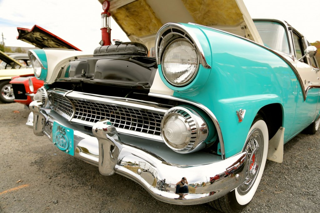 leaf-peepers-davis-car-show-victoria-weeks